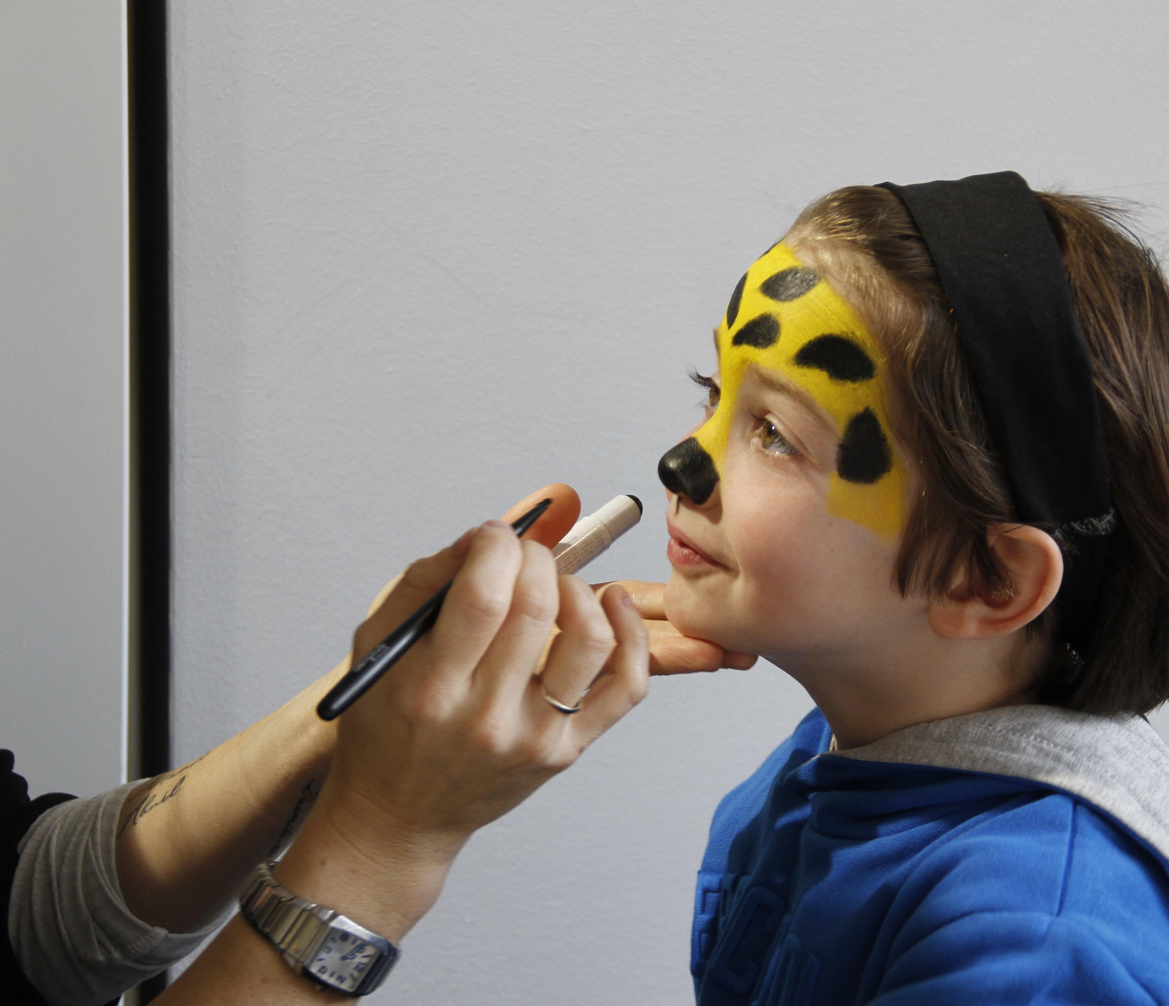 maquillando nariz leopardo