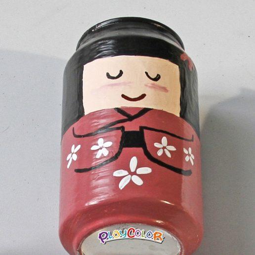 kokeshi-lata-reciclada